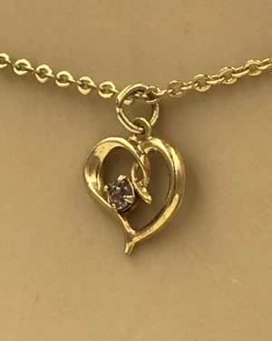 Gold Tone Heart Glass Stone Necklace 14″