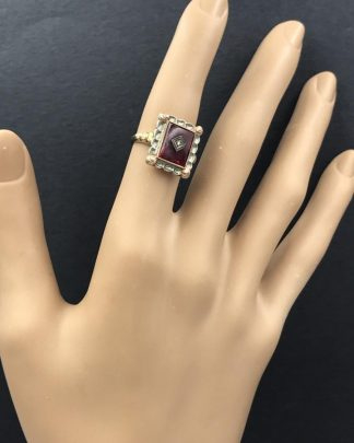 Beautiful Vintage Yellow White 10K Gold Ruby Diamond Ring