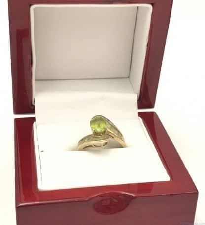 10k Yellow Gold Vintage Ring Oval Cut Green Gemstone