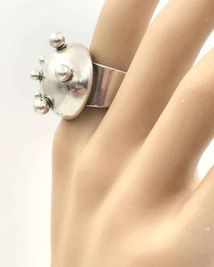 De Luxe NYC Alien Cocktail Ring Antennas Silver Plated Dome – Michiel Ansingh