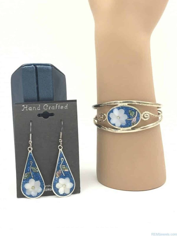 Beautiful Bracelet Mother Pearl Blue Inlay Matching Earrings