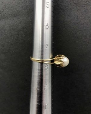 Vintage 14K Yellow Gold Genuine Pearl Statement Ring – Set in Leaf Prongs – Size 7.5