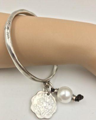 Uno De 50 Silver Plated Salud Bangle Bracelet Pearl