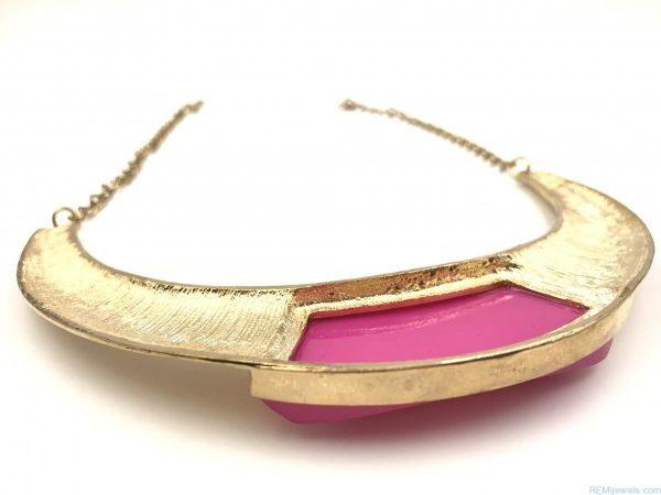 Pendant Choker Chunky Bib Pink Statement Gold Tone Necklace