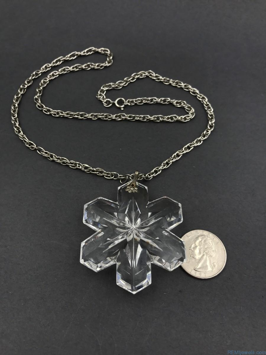 1975 Gorham Full Lead Crystal Christmas Snowflake Necklace