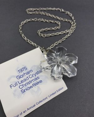 1975 Gorham Full Lead Crystal Christmas Snowflake Necklace – Holiday Jewelry – Vintage
