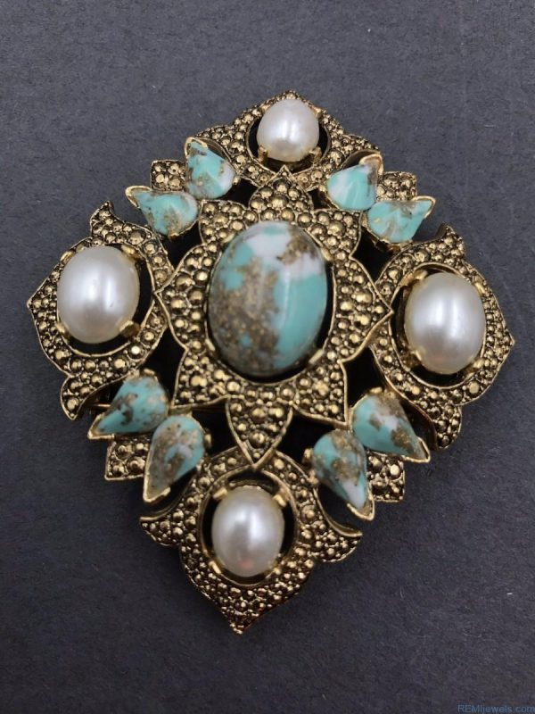 Vintage Brooch Pin SIGNED SARAH COVENTRY Pearl Blue Rhinestone