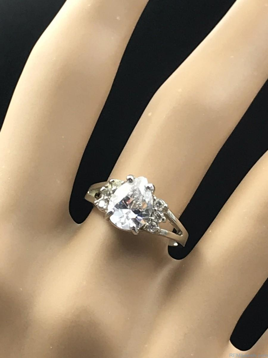 Stainless Steel Silver Tone Tear Drop Glass Cut Design Ring
