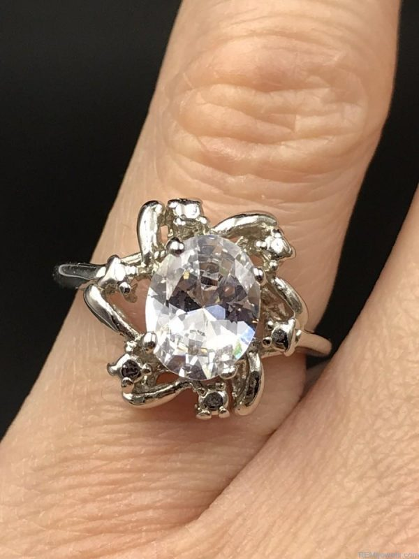 Stainless Steel Silver Tone Oval Glass Cut Flower Design Ring