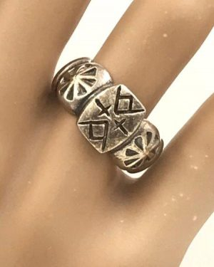 Vintage Sterling Silver Symbol Hogan Home Guidance Through Mountains Ring Size 6.5 Signed 925