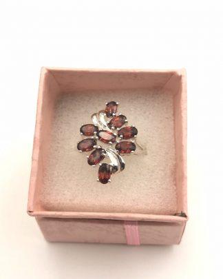 Oval Garnet Gemstone Sterling Silver Ring Size 7 Signed STS 925