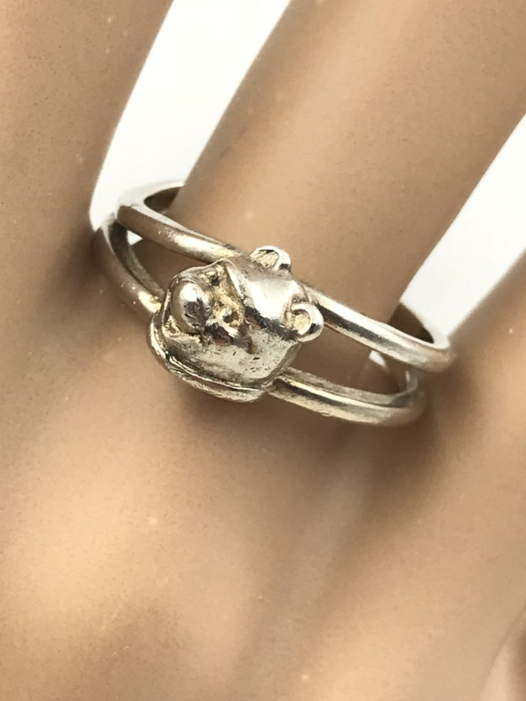 e1d3e809c Disney Authentic Vintage Sterling Silver 925 Winnie the Pooh Ring