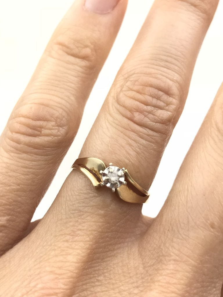Vintage Yellow Gold 10k Diamond Solitaire Wedding Ring Designer Size 8