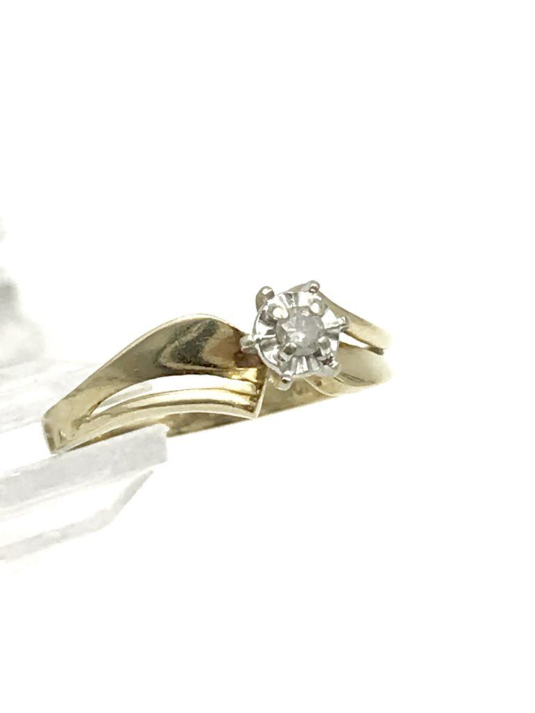 Gorgeous Vintage Yellow Gold 10k Diamond Solitaire Wedding Ring Designer Size 65 Unique Signed 10k Ci