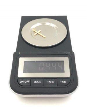 Simple 14k Yellow Gold Small Religious Cross Pendant 0.44 g