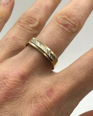 Men's 10k Yellow Gold Wedding Band Size 10 Fancy Ring 4.23 g Signed Crescendo