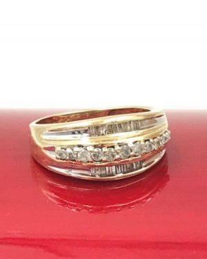 Diamond Wedding Band 10K Yellow Gold Size 7 Baquette Unique Design Engagement Ring 4.64 grams