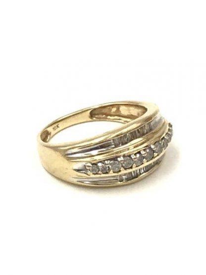 Diamond Wedding Band 10K Yellow Gold Size 7 Baquette Unique Design Engagement Ring 4.64 grams