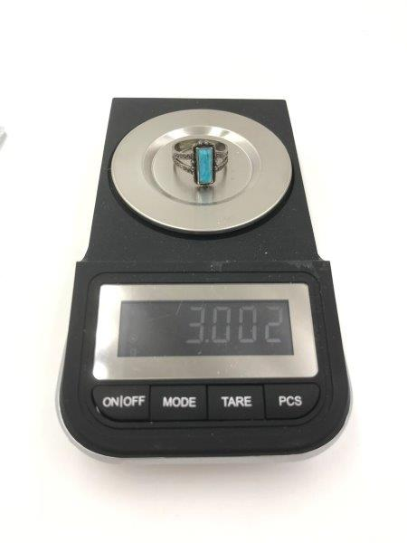 showing weight in grams of vintage old pawn ring for sale